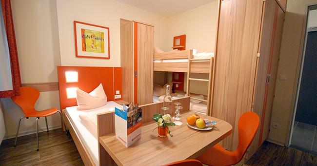 familienurlaub in der jugendherberge bad bergzabern. Black Bedroom Furniture Sets. Home Design Ideas